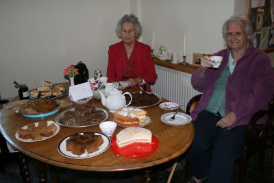 We love our cakes - yum yum!!!!!!!!!!!!!!