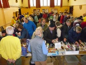 Jumble and crowds galore